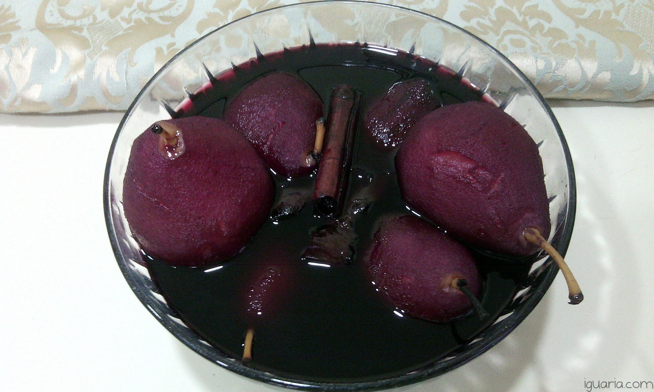 iguaria-peras-de-vinho-tinto