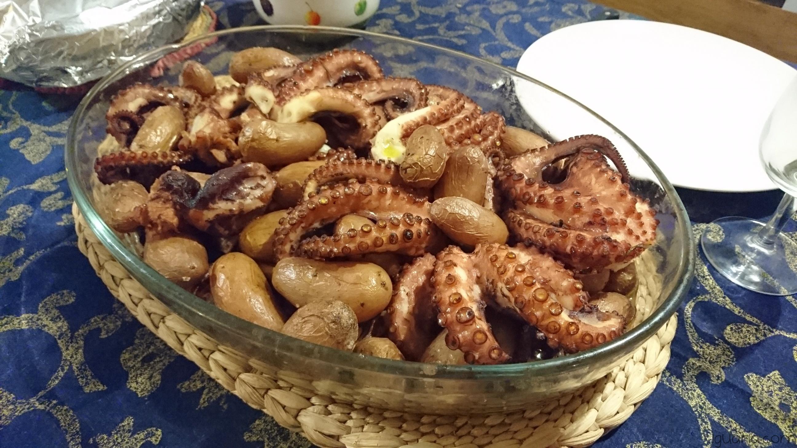 iguaria-polvo-assado-com-batatas-novas