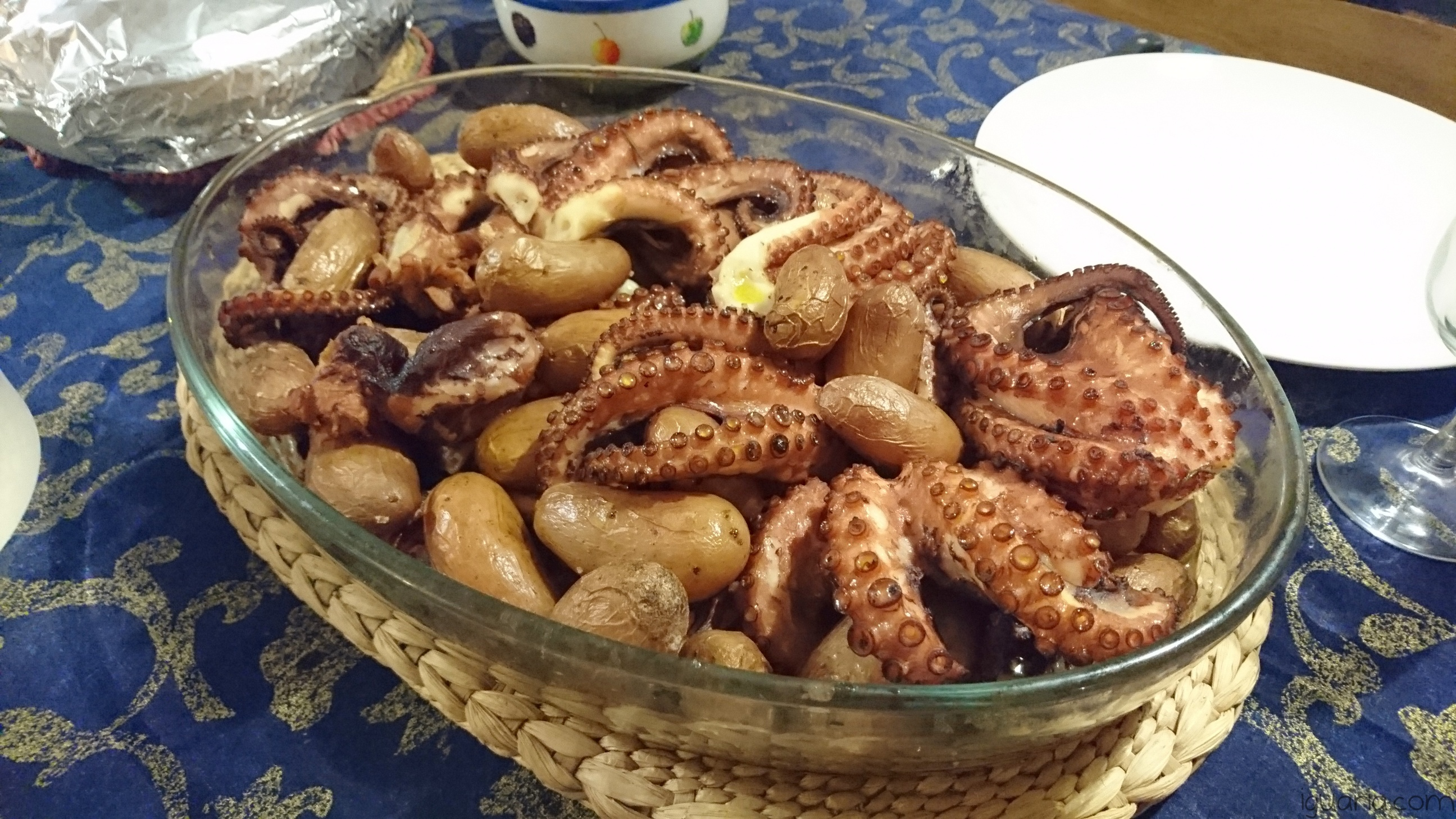 iguaria-polvo-de-natal-no-forno-com-batatas